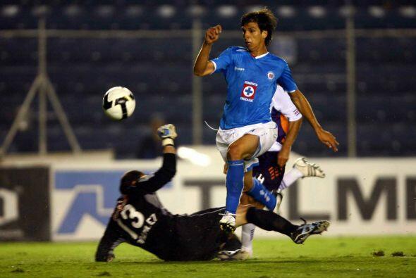 En el caso del paraguayo Zeballos, él se mantendría por 3 torneos (del 2...