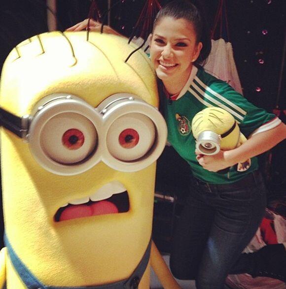 """Bido bido bido!! I love minions!! @DespiertaAmericaTV @Univision"", dijo..."