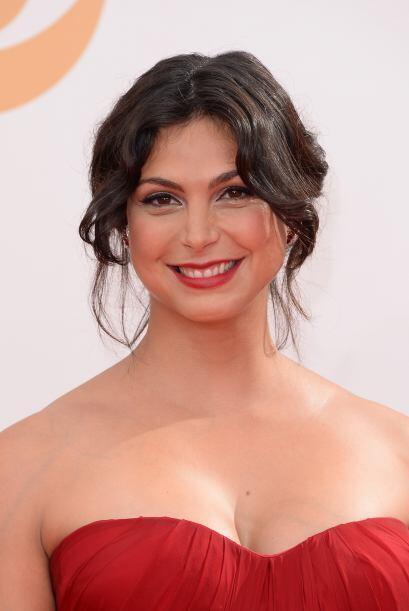 Morena Baccarin con su peinado cuidadosamente desalineado.