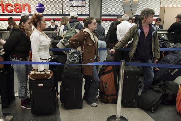 Evita los cargos por realizar reservas telefónicas de las aerolíneas que...