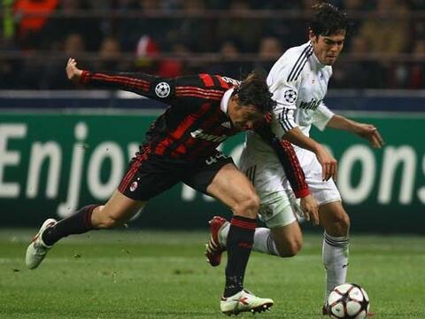 El Real Madrid le devolvió la visita al Milan en la Champions, en...