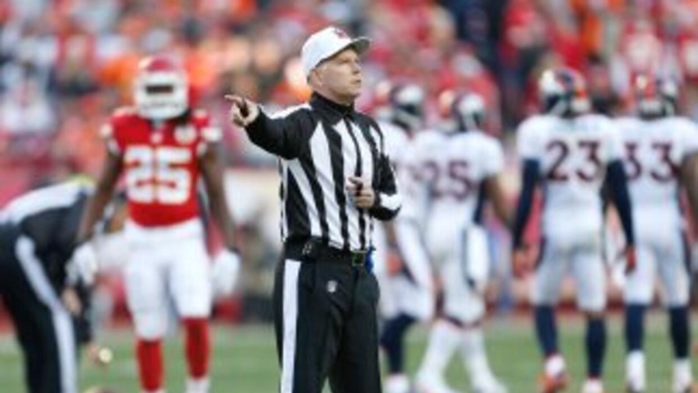 Terry McAulay dirigirá su tercer Super Bowl este dos de febrero en MetLi...