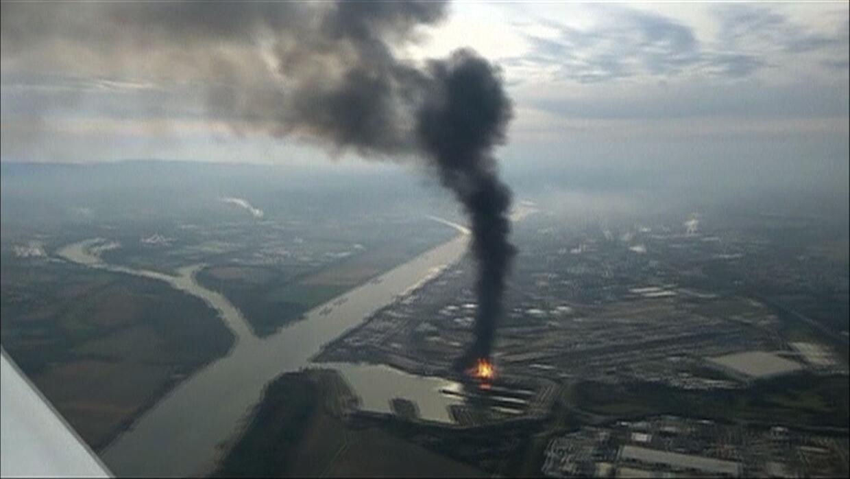 Varios heridos y desaparecidos en una explosión en una planta química en...