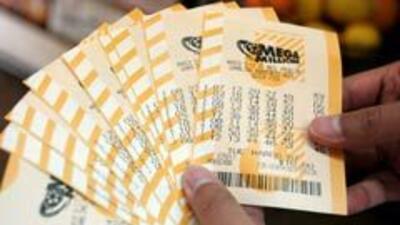 Una pareja hispana de California ganó $266 millones en la lotería b5fc46...