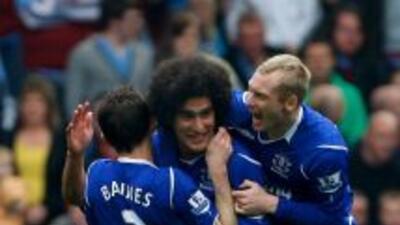 Fellaini y Baines fueron fundamentales en el juego del Everton al mando...
