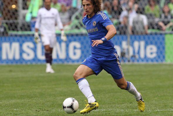 El brasileño David Luiz tuvo la oportunidad de jugar esta clase d...