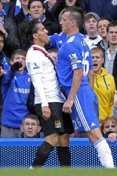 Varios jugadores del Manchester City tuvieron enfrentamientos con Terry,...