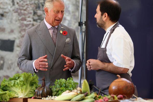 Tuvo la oportunidad de compartir la cocina con el chef Enrique Olvera.