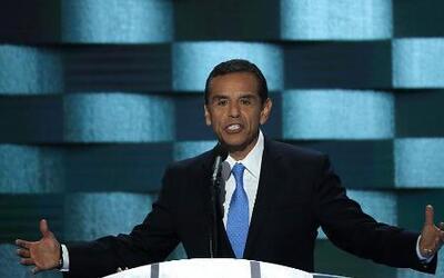 Antonio Villaraigosa: los inmigrantes indocumentados merecen una voz en...
