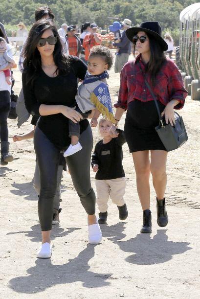 Como Kim es una gran mami y una tía consentidora no dejó d...