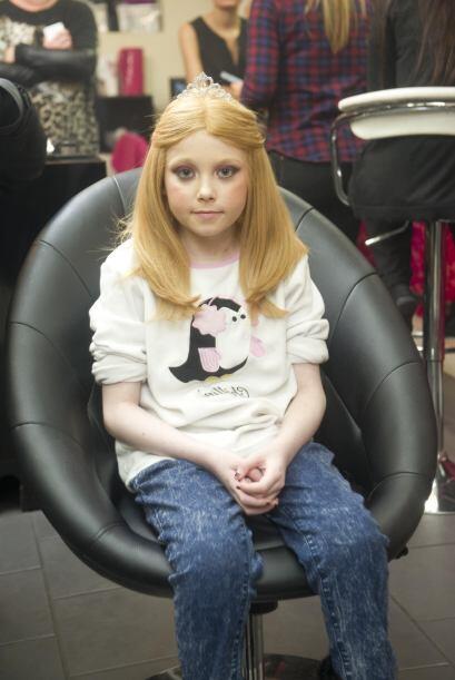 Helena Green, perdió todo su cabello a causa de los distintos tra...