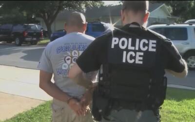 ICE revela que realizó operativos secretos en Texas durante las últimas...