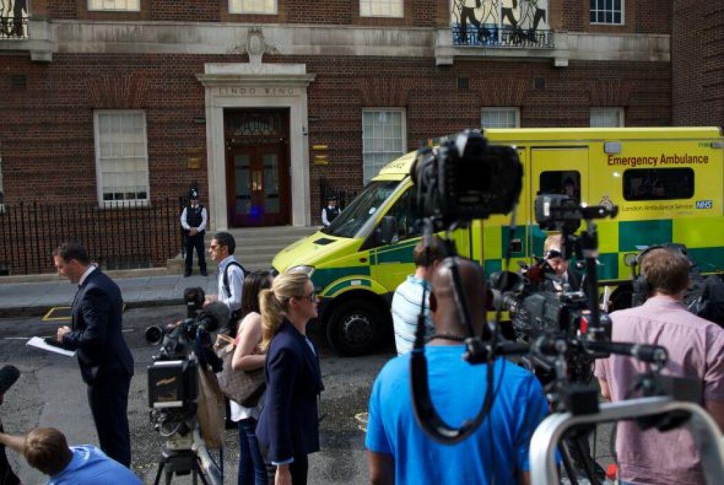 La cigüeña está por llegar y a las afueras del hospitalSaint Mary's en...