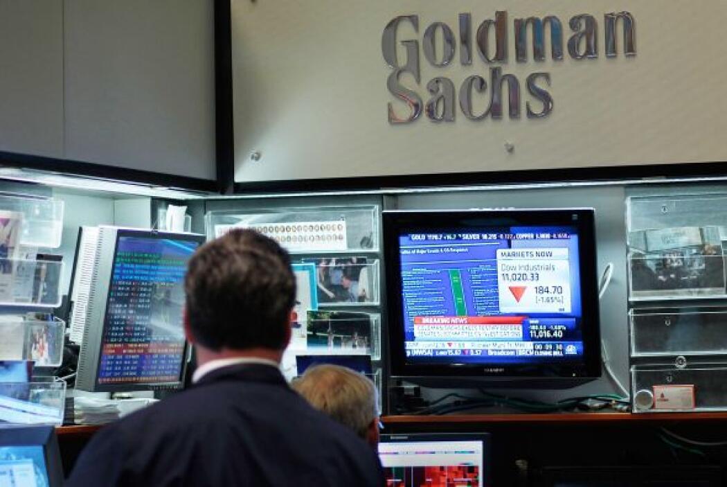 3. DIRECTIVO DE GOLDMAN SACHS RENUNCIA- Tras 12 años de trabajo, en marz...