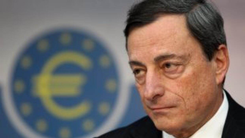 Draghi manifestó que esas decisiones se tomaron en vista de que la tasa...