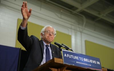 El candidato presidencial demócrata Bernie Sanders en un mitin en Purdue...