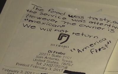 Clientes dejan una nota con tintes muy racistas en el recibo de un resta...