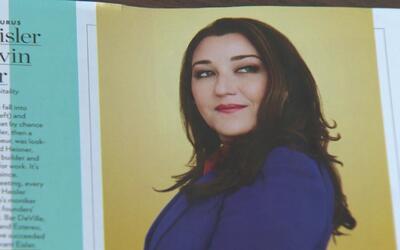 Teri Arvesu, vicepresidenta de contenido de Univision Chicago, entre las...