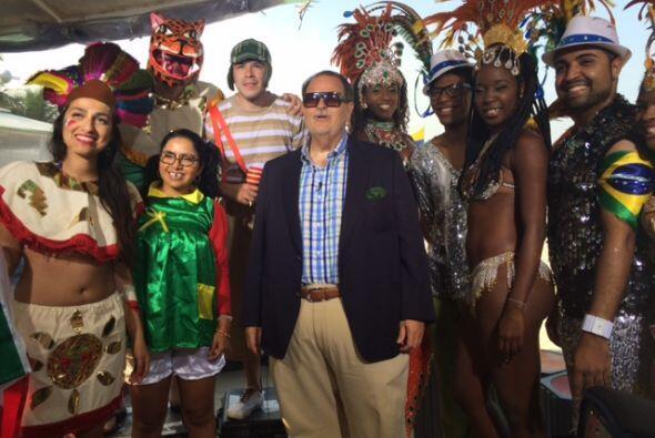 Pero también hubo algunas personas con traje de carnaval.