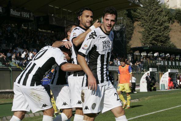 Gaetano D'Agostino y Emanuele Calaiò completaron el resultado para triun...