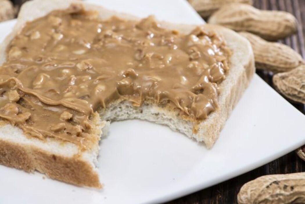 Sándwich de mantequilla de cacahuate Un sándwich de mantequilla de maní...