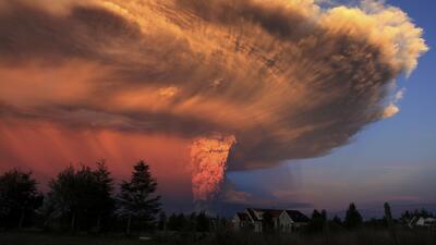 Impresionantes imágenes de la erupción del volcán Calbuco en Chile