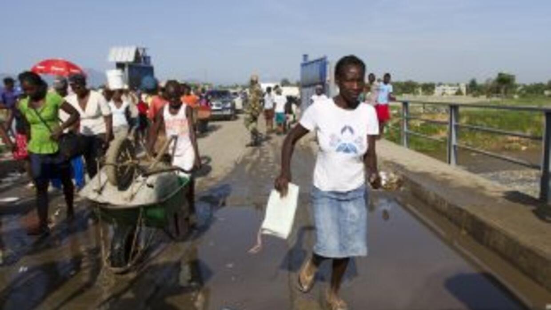 Las actividades cotidianas y comerciales en la frontera dominico-haitian...