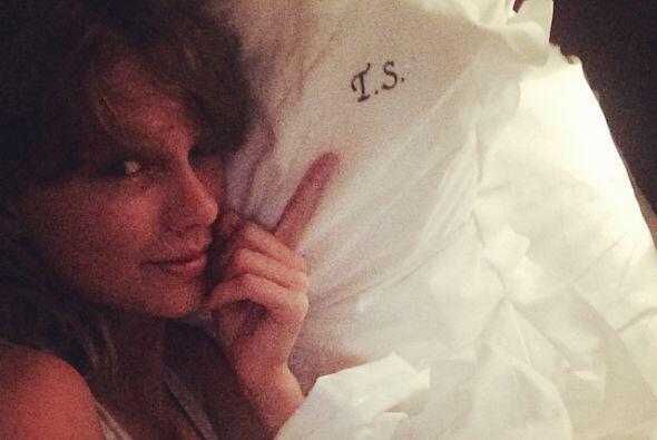Taylor Swift enseñó su lado más lindo y femenino al...