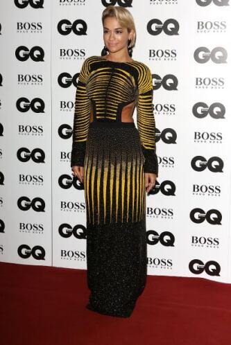 Sin duda alguna una de las más llamativas de la noche fue Rita Ora. La f...