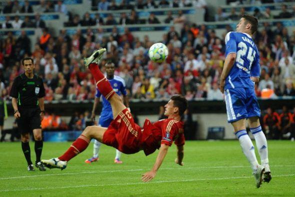 Mario Gomez necesitaba dos goles para igualar a Messi como 'Pichichi' de...
