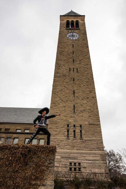 Universidad de Cornell, Ithaca, EEUU. Un buen mariachi llega a tiempo a...