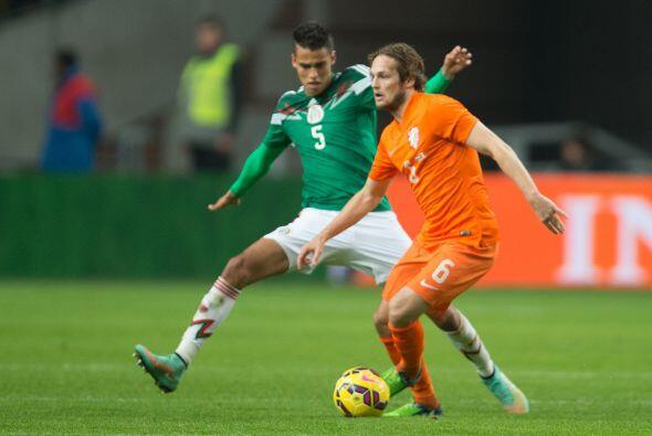 Diego Reyes, el futbolista azteca es otro de los elementos que ver&aacut...