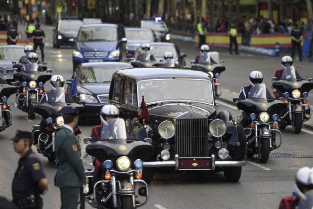 Sus hijas, la infanta Sofía y la princesa Leonor, viajaron en otro vehíc...