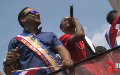 La X celebra en grande en el Desfile Dominicano del Bronx