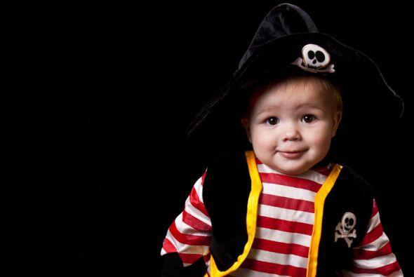 DIY Disfraz de pirata. Si le pones a tu pequeño un pantaló...