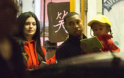 Kylie Jenner y Tyga muy cariñosos tras cenar sushi