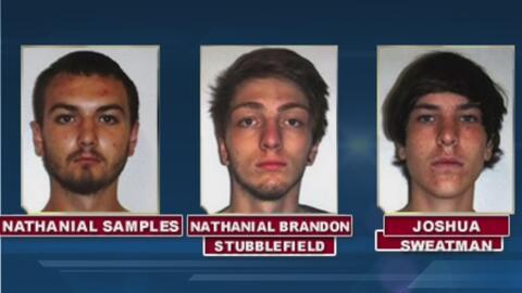 Arrestan a tres jóvenes de 17 años, acusados de asesinar a un hombre en...