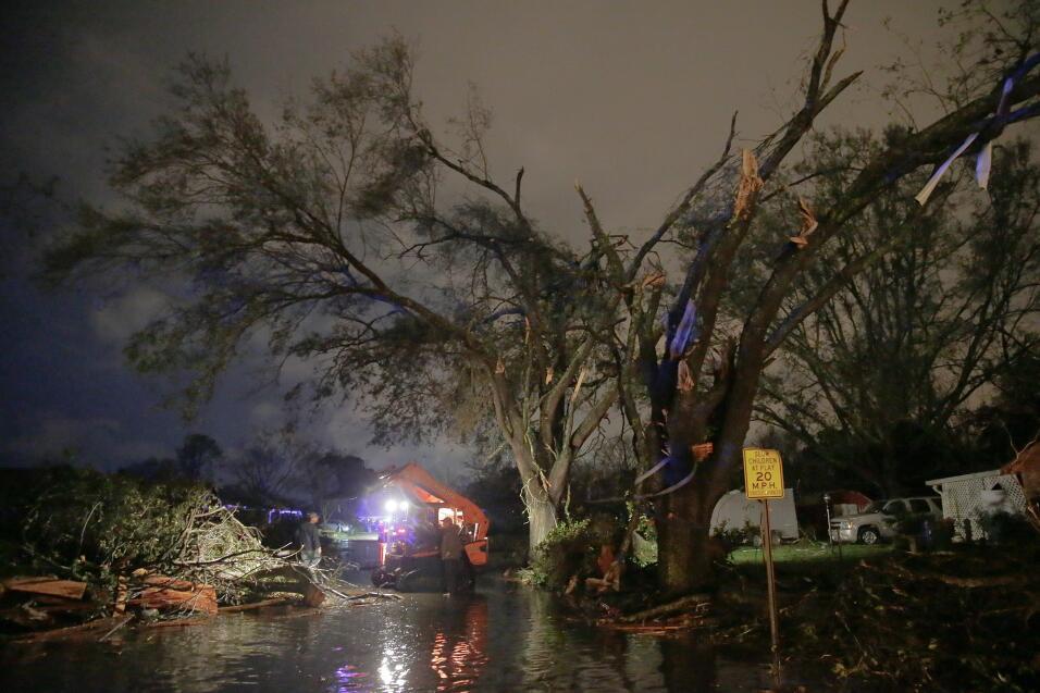 Tormentas y tornados dejan al menos tres muertos en el sur  tornado9.jpg