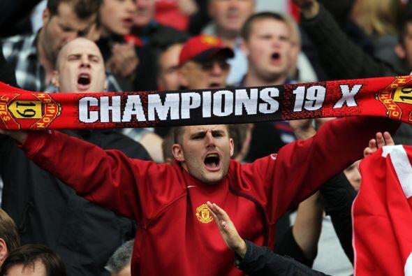 La bandera lo dice todo. 19 títulos de Liga.