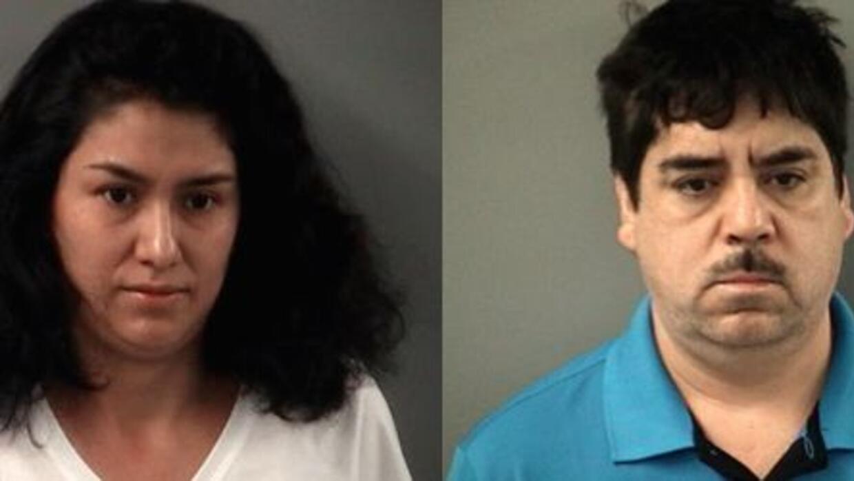 Agentes arrestaron a una pareja hispana por posesión de más de un kilo d...
