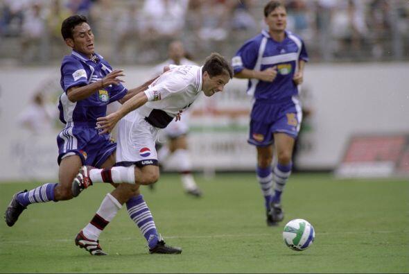 En la edición de 1998 la MLS probó su primera variante en...