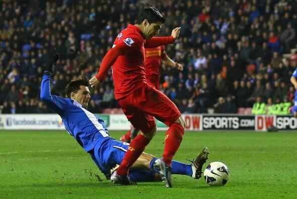 Siguiendo con talento sudamericano, el uruguayo Luis Suárez del Liverpool.