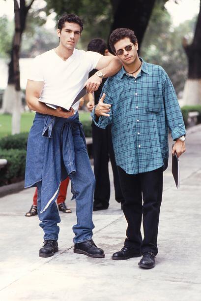 "Eduardo Verástegui y Diego Shoening en la telenovela ""Soñadoras"" en 1997."