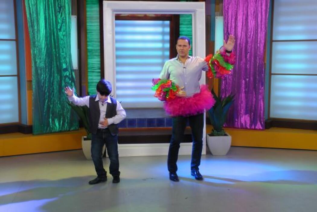 Aunque el baile no es lo suyo, también se anima a dar algunas clases.