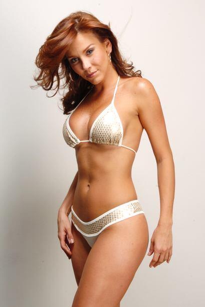 En 1997 realizó su primera participación en las telenovela...