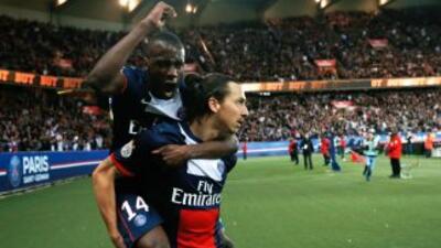 Zlatan sumó dos goles más a su cuenta personal, con los que los parisino...