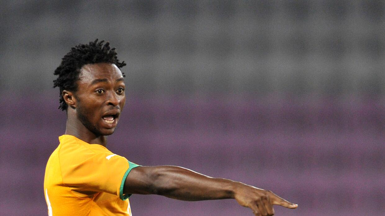 El marfileño Xavier Kouassi se lesionó la rodilla jugando...
