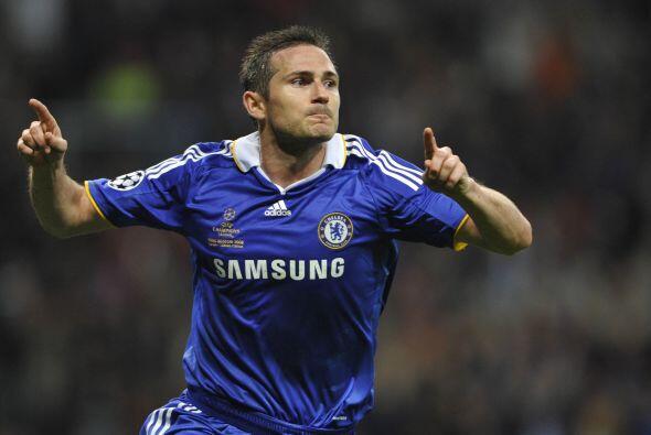 Pero antes de que acabara el primer tiempo, Frank Lampard igualó los car...
