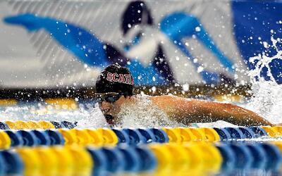 Jonathan Gómez, el nadador colombiano residente en Nueva Jersey, durante...
