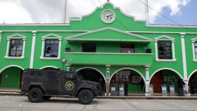 El Palacio Municipal de San Juan Chamula, después del asesinato.